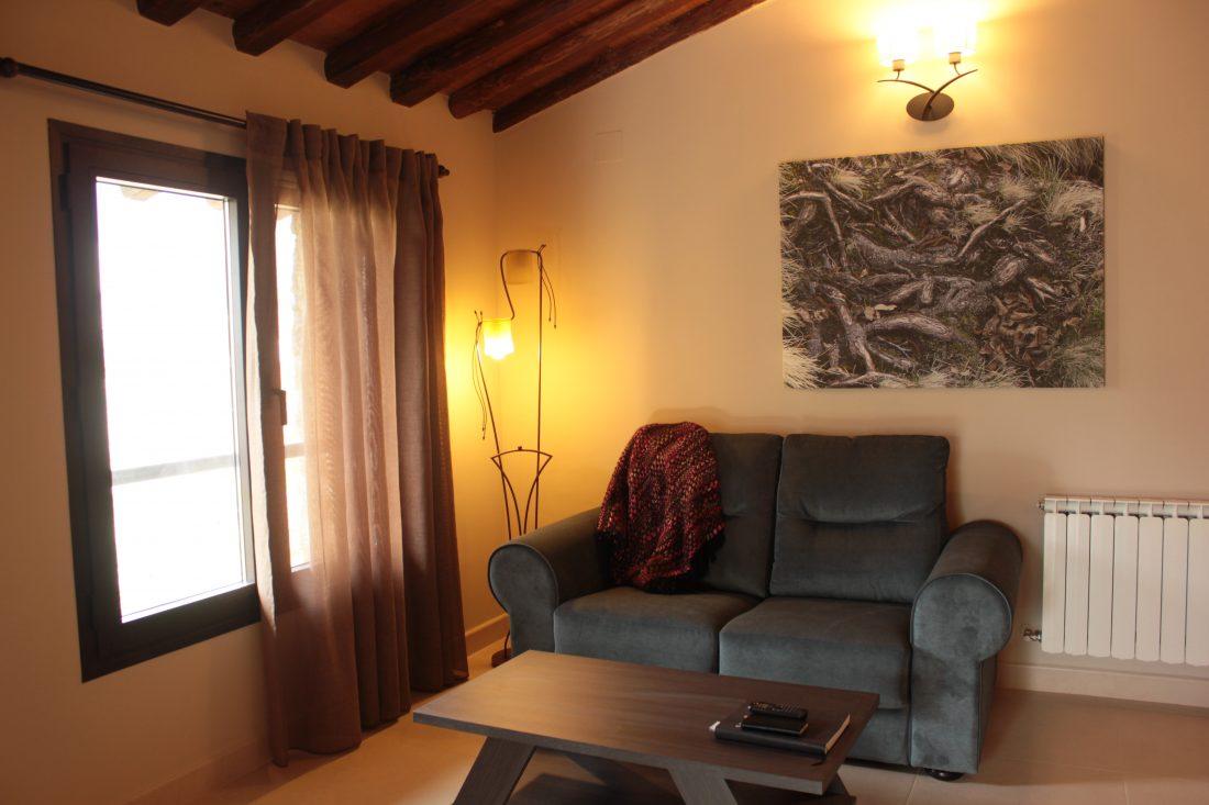 Zona de descanso de las habitaciones del Hotel rural El cerezal de los Sotos en el Valle del Jerte